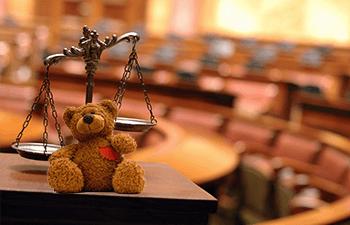 بررسي مسايل حقوقي كودك آزمايشگاهي در نظام حقوقي ايران